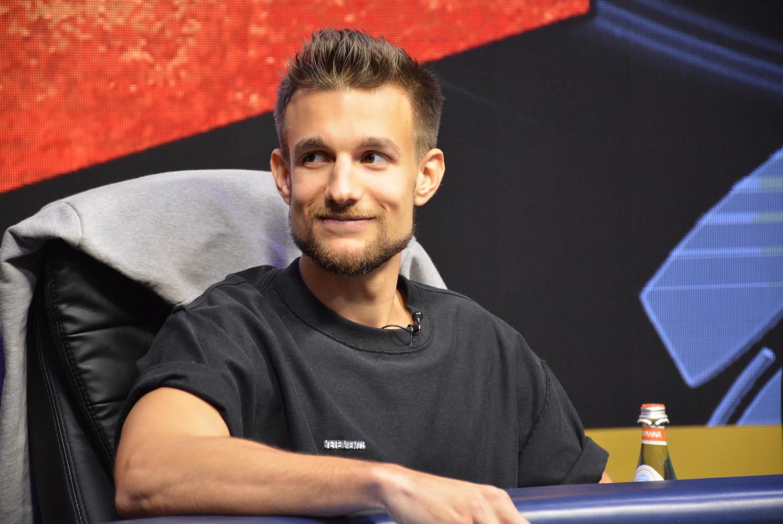 Laszlo Bujtas sourit