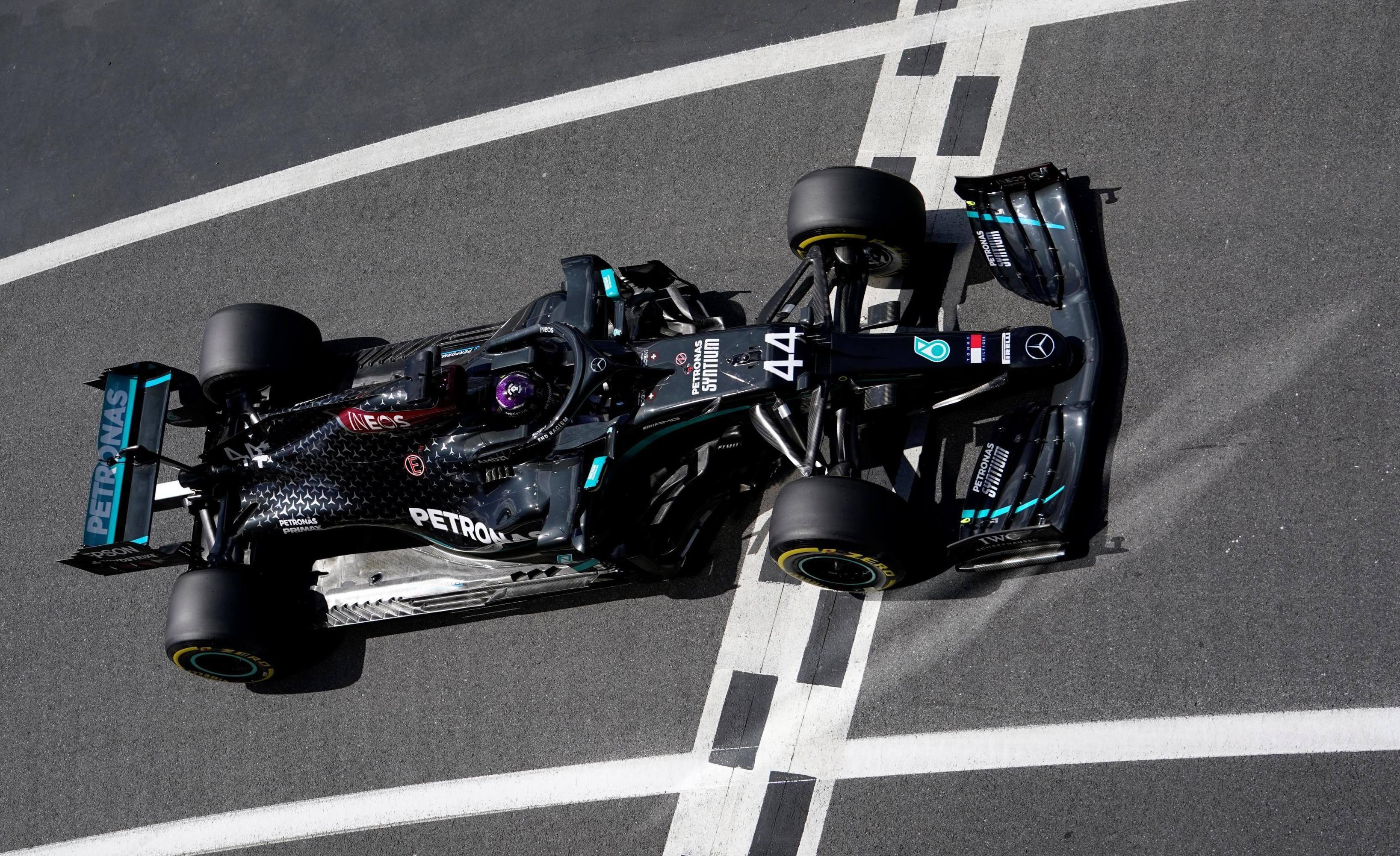 Lewis Hamilton domine la deuxième séance d'essais à Silverstone